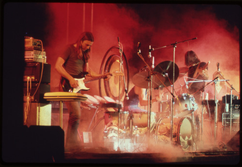 Pink Floyd performing 1973 shortly before releasing Dark Side of the Moon