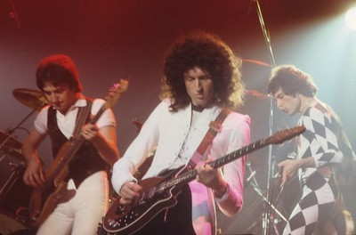 Queen performing in New Haven, Connecticut circa 1977